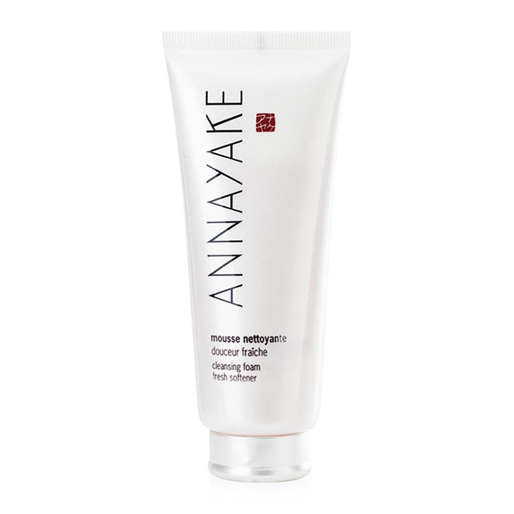 Sữa rửa mặt Annayake dạng bọt dành cho da khô Annayake Cleansing Foam Fresh Softener 100ml