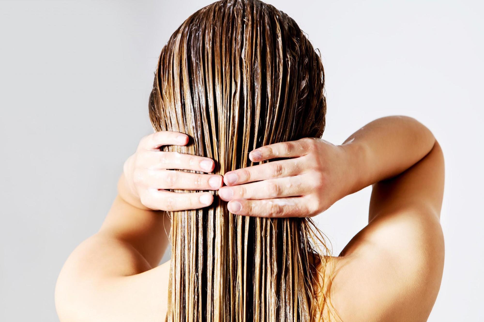 Bóc silicone ra khỏi tóc và da đầu với Leonor Greyl